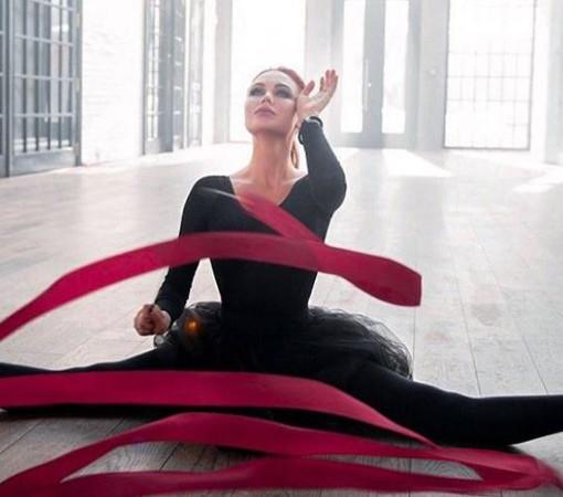 Российская гимнастка Ляйсан Утяшева отмечает 33-летие
