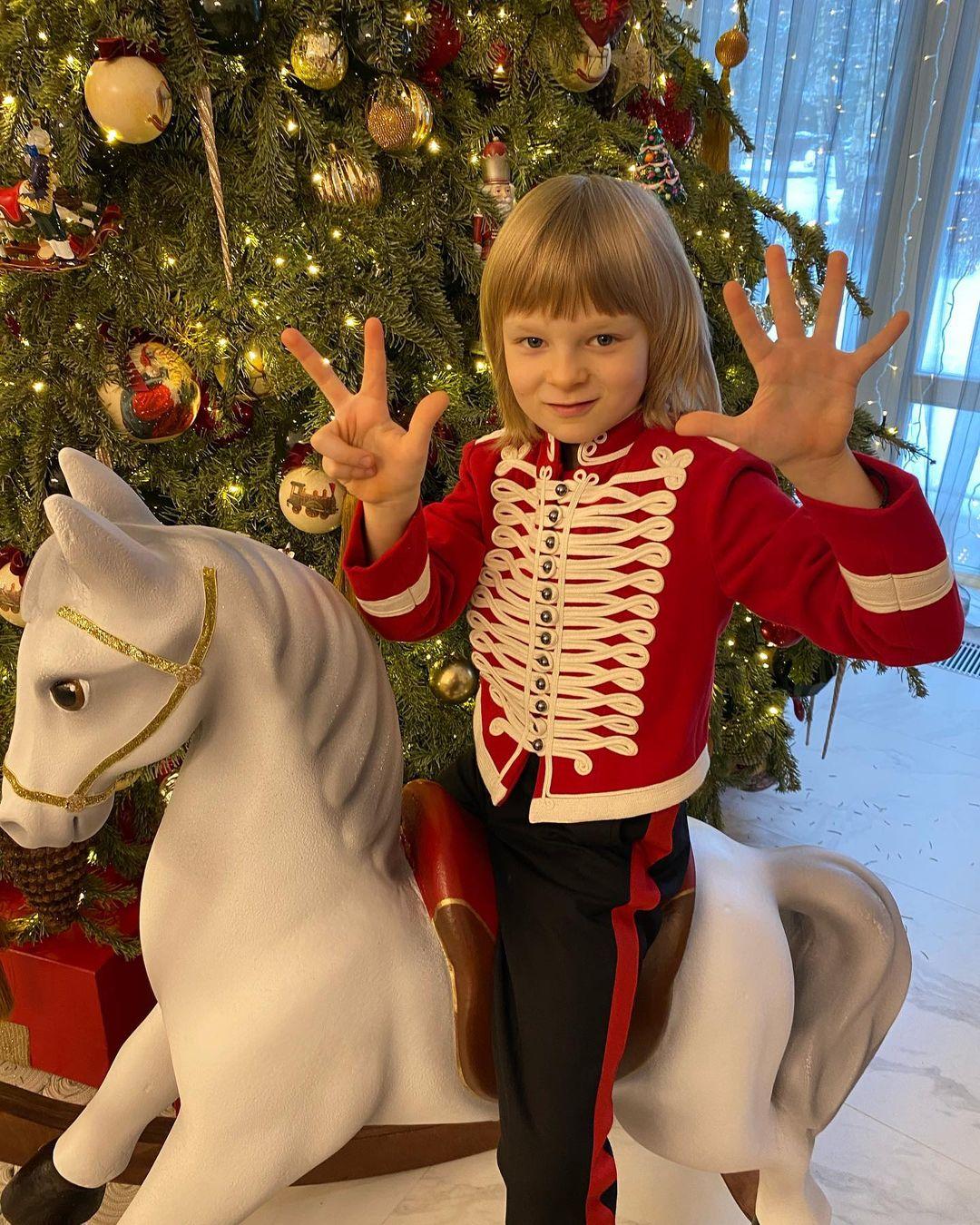 Саше Плющенко исполнилось восемь лет. Фото: Instagram-аккаунт Евгения Плющенко