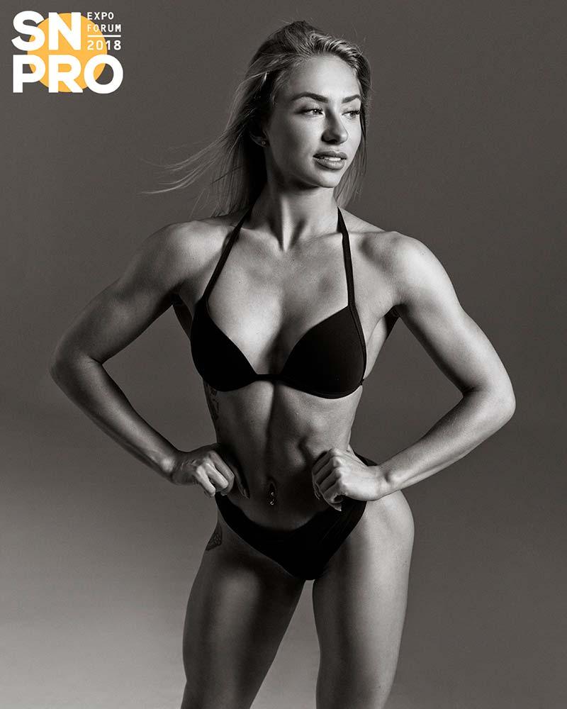 Чемпионка фитнес-бикини Мария Соколова