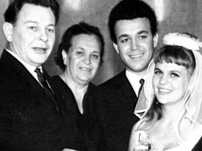 В 1965 году он женился на Кругловой, но через два года развелся...