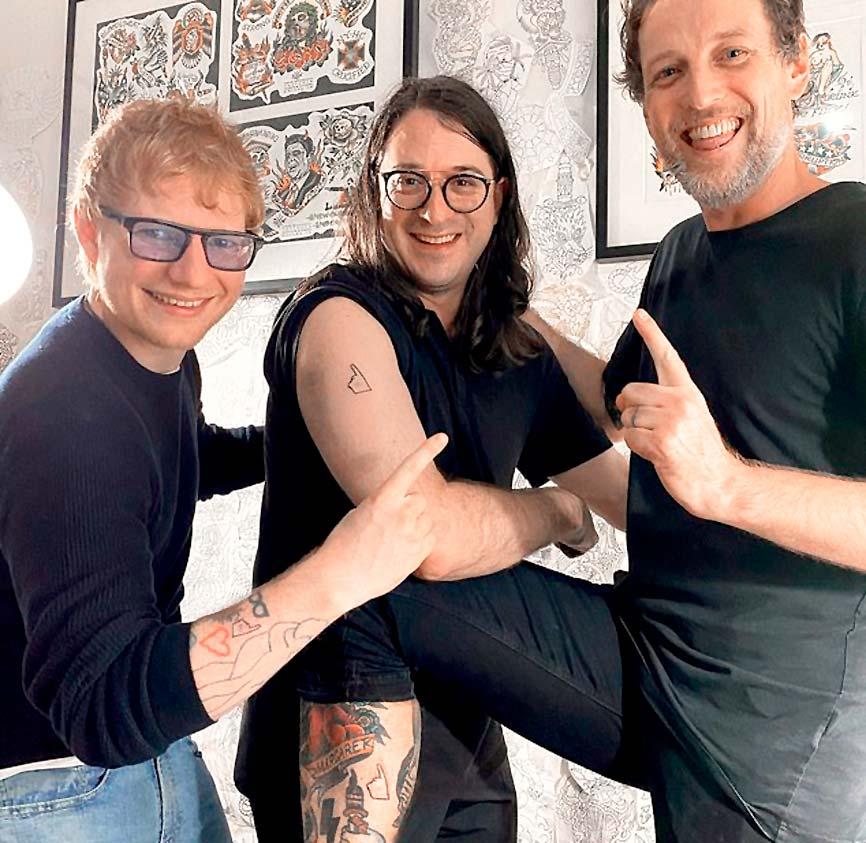 Эд проводит время не только с Джулией Робертс, но и со своими музыкантами, женой Черри СИБОРН и семимесячной дочкой Лайрой. Фото: instagram