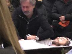 Александр Толмацкий прощается с сыном