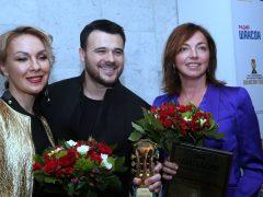 Эмин Агаларов (в центре)