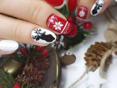 Новогодний маникюр. Фото: instagram.com/nogtefeya58