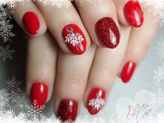 Новогодний дизайн ногтей. Фото: instagram.com/nechtymirka