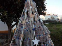 И о пластиковых бутылках не забудем. Фото: Ирина Ивашкова