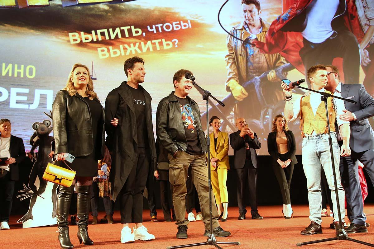 Звезды на премьере комедии «Любовь и монстры» (1)