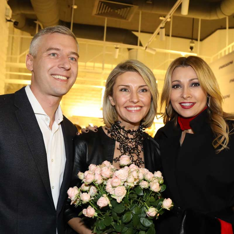 ЕКАТЕРИНА АРХАРОВА С МУЖЕМ И АНЖЕЛИКА АГУРБАШ