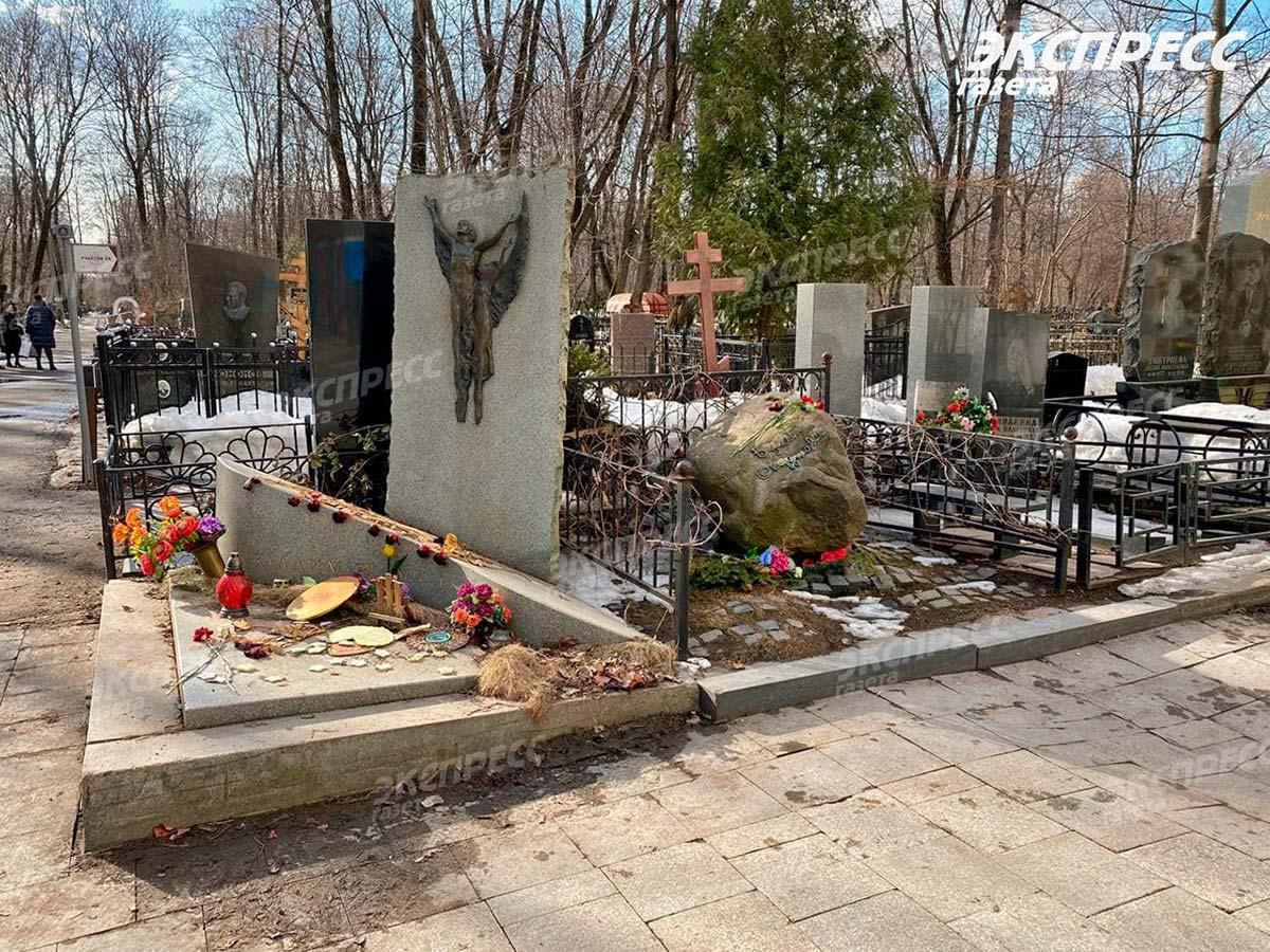 Могила композитора Владимира Мигуля. Фото Экспресс газета (3)