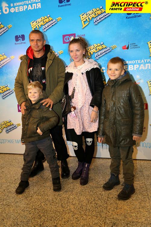 владимир епифанцев с семьей фото