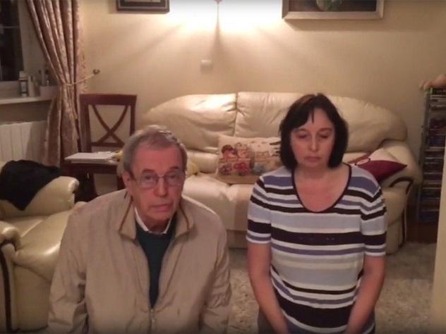 Рунет в шоке от видео, на котором подросток унизил родителей