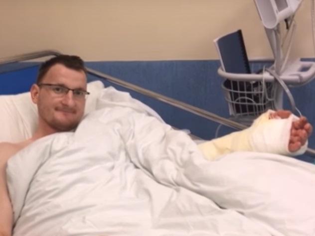 В Польше впервые пересадили руку человеку, рожденному без конечности