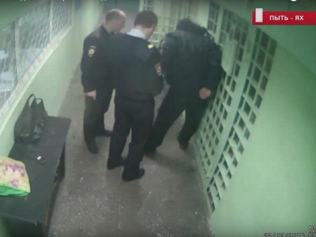 Пытки в югорской полиции попали на видео