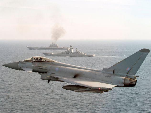 Великобритания и НАТО проследили за Адмиралом Кузнецовым с воды и воздуха