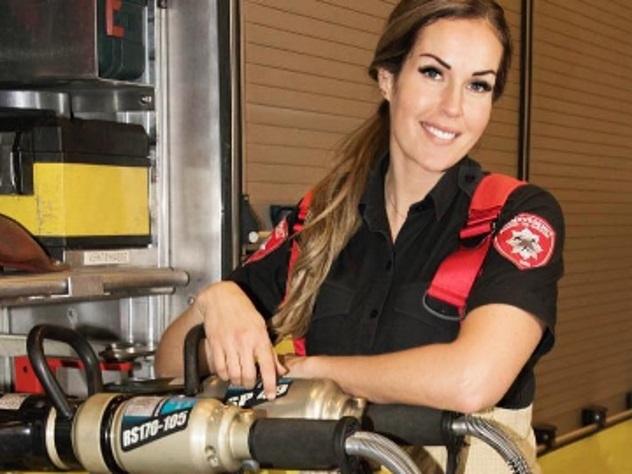 Норвежка удостоилась титула самой привлекательной пожарной в мире