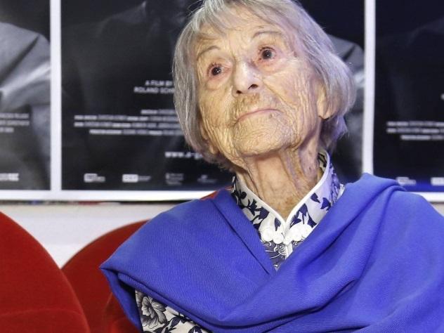 В Мюнхене на 107-м году жизни скончалась секретарь Геббельса