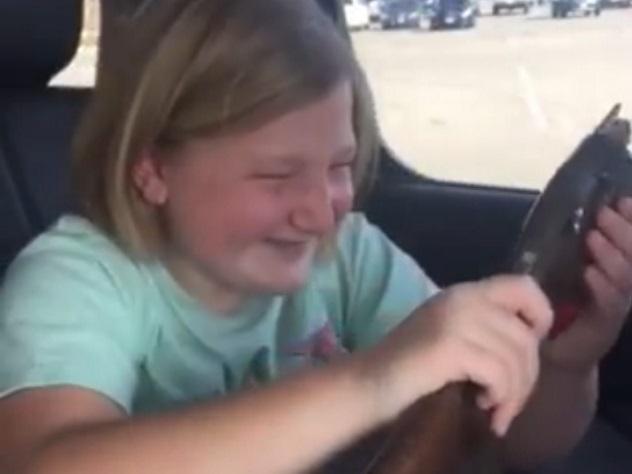 Ружье оказалось лучшим подарком 10-летней девочке