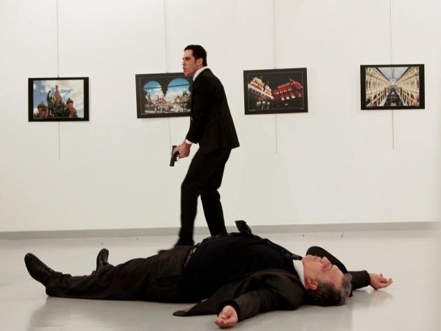 Снимок убийцы дипломата из РФ завоевал главный приз World Press Photo