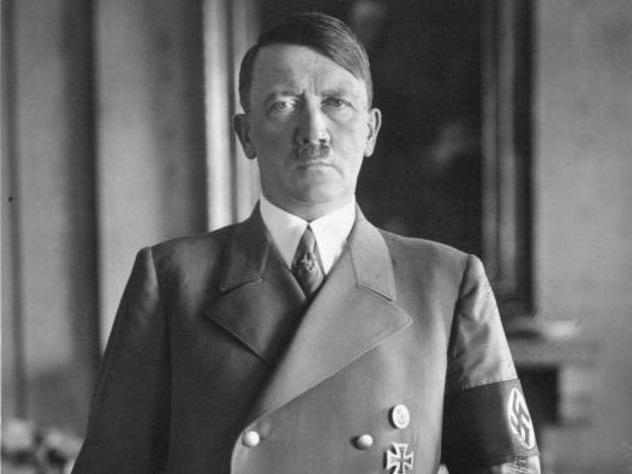 Разгуливаюий по городу двойник Гитлера пугает австрийцев