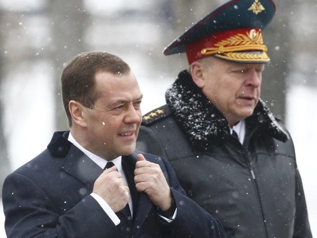 В Кремле объяснили, почему исчез приболевший Медведев