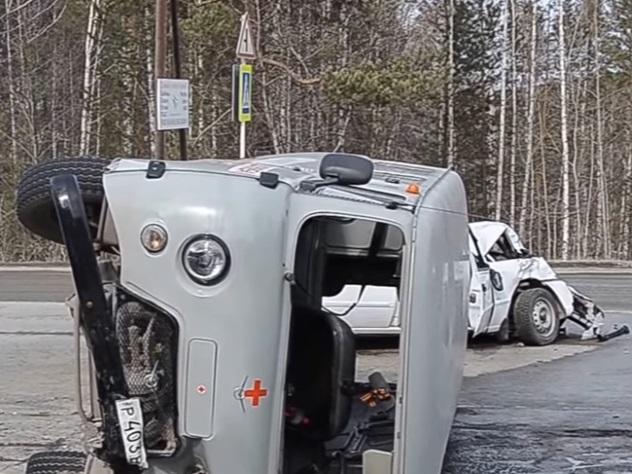 На Урале автоледи на иномарке опрокинула УАЗ