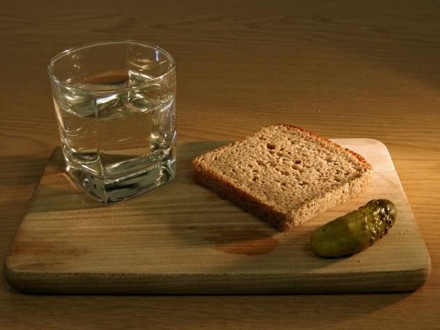 Названа допустимая доза водки в день