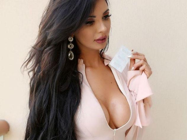 Бразильская Барби пытается превзойти Ким Кардашьян