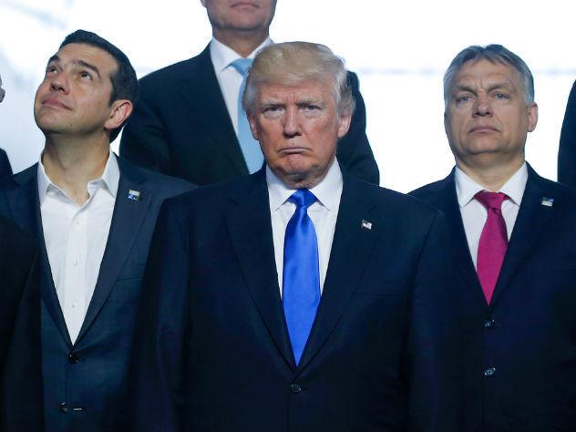 В Белом доме объяснили бесцеремонную выходку Трампа