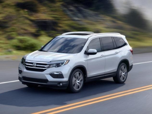 В мае российский рынок пополнится тремя новыми авто