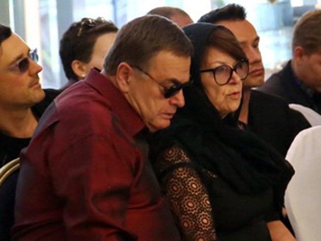 Слухи о растрате денег подкосили здоровье мамы Жанны Фриске