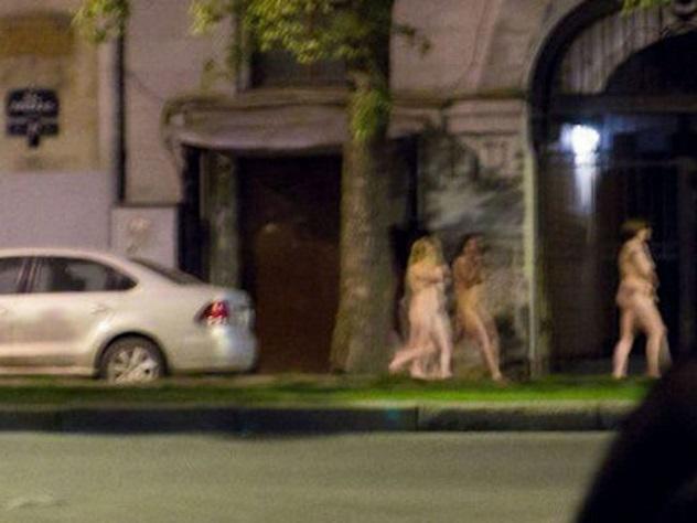 Дацик устроил «голый марш проституток» на улицах ...: http://www.eg.ru/daily/crime/51265/