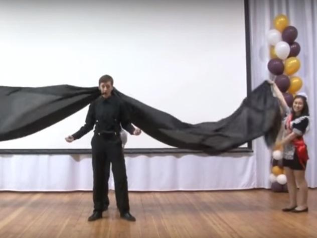 Школьники повторили выступление Лазарева на«Евровидении»