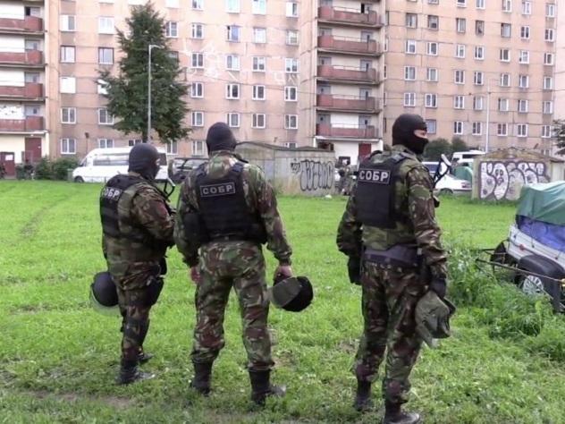 ФСБ проводит спецоперацию позадержанию экстремистов вПетербурге