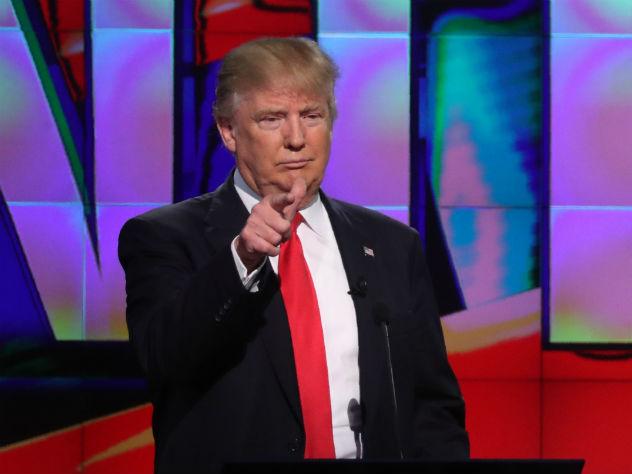 Неожиданный поворот: Дональд Трамп пообещал защитить геев