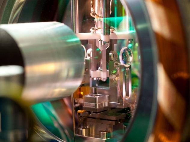 Ученые придумали лазер, работающий на микробах