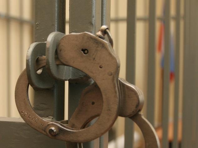 6-летняя девочка попробовала остановить преступника, вооруженного тесаком
