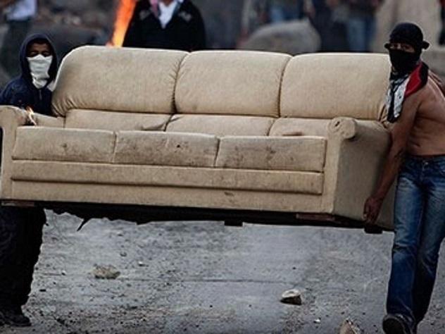 ВЦентробанке прошли обыски поделу окраже дивана