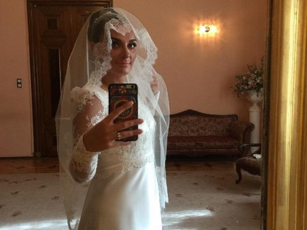 Елена Ваенга выходит замуж замузыканта