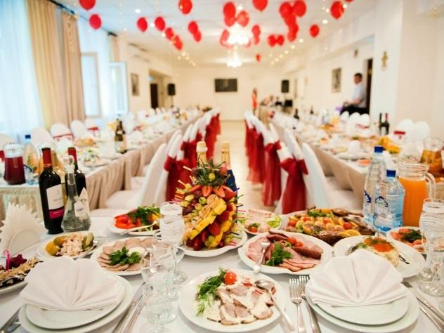 Жених сбежал со свадебного банкета в Москве, чтобы за него не платить