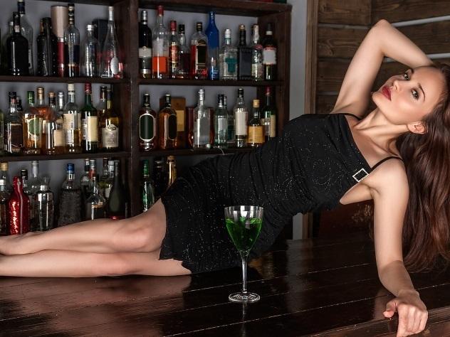 Алкогольное равенство женщины догнали мужчин по употреблению спирного
