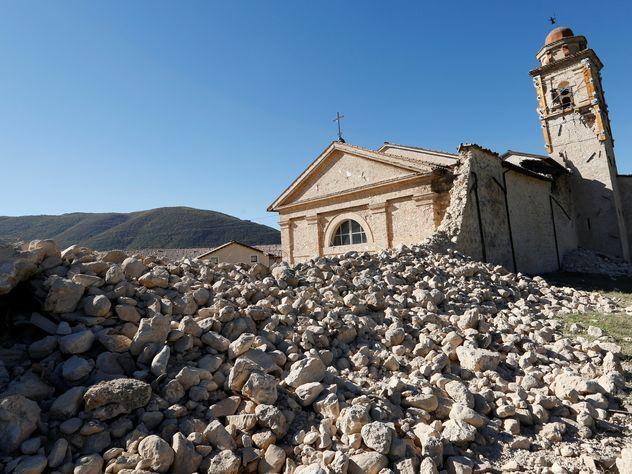 Несколько человек пострадали при землетрясении вИталии