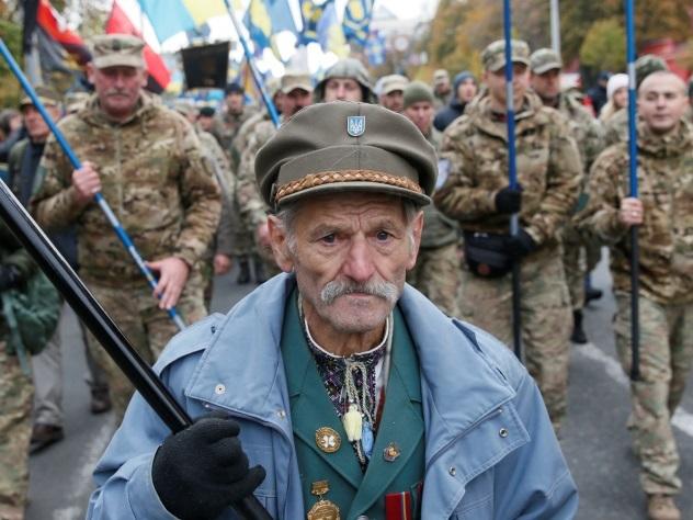Украинские народные избранники отказались от поднятия заработной платы