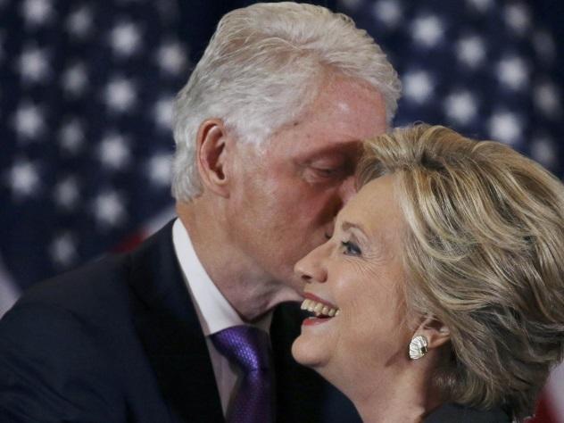 Хиллари не собирается уходить от Билла Клинтона