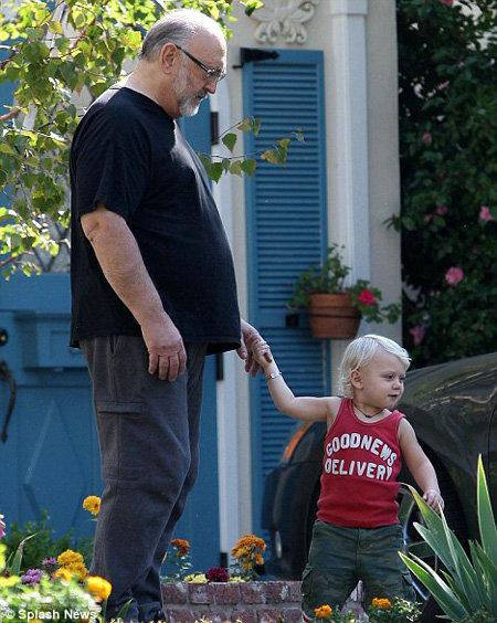 Зума с дедушкой