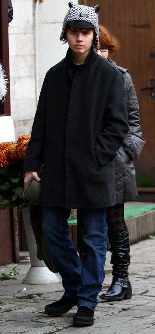 жириновский познакомился с женой