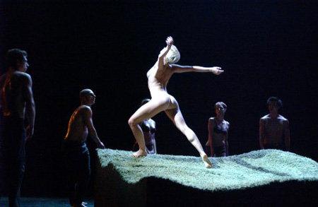Голая балерина на сцене фото 291-224