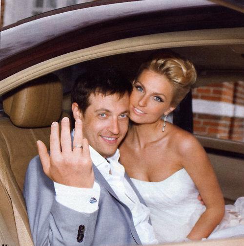 Саша Савельева вышла замуж!: eva.ru/fun-and-fun/messages-2516536.htm