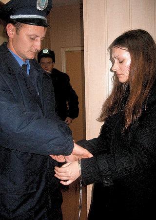 Машевский районный суд вынес приговор группе медиков в составе семи человек.  Наркоторговцы в белых халатах во главе...