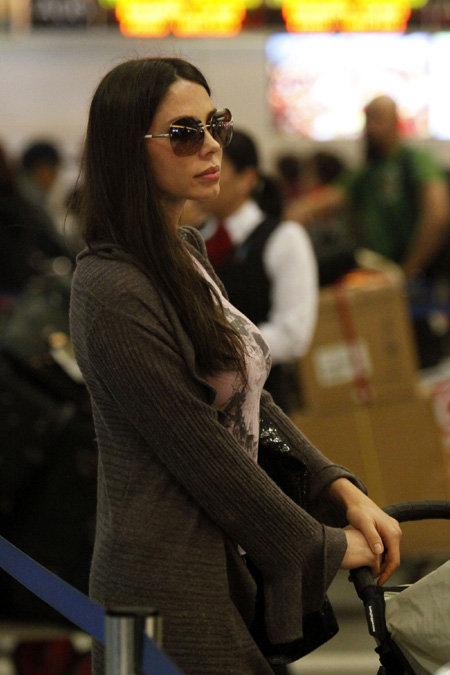 Оксана ГРИГОРЬЕВА в аэропорту