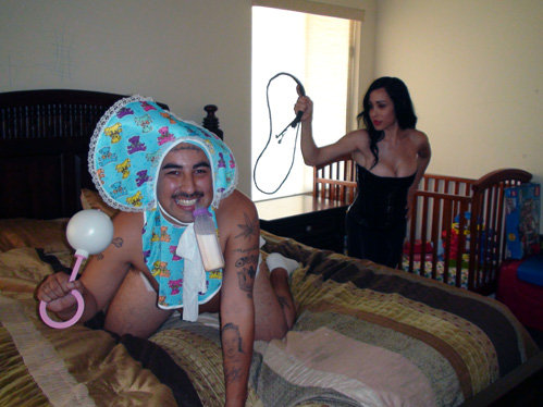 Hyggelig par söker en söt jente for seksuelle aktiviteter Fillestølen